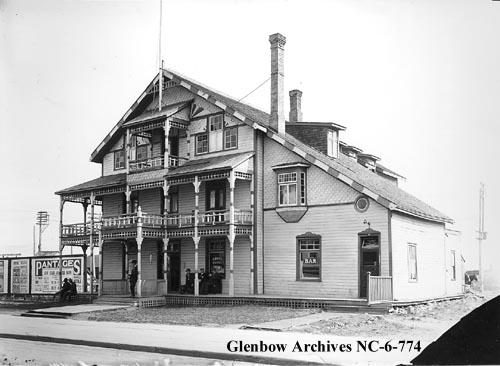 nc-6-774 - Royal Hotel, Edmonton, Alberta. - 10445 Whyte Ave - 1914