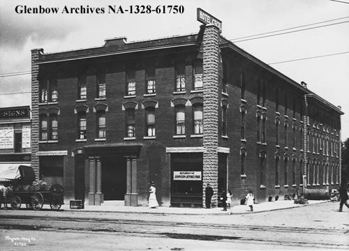 na-1328-61750 - Hotel Cecil, Edmonton, Alberta. - Jasper Ave - ca 1910