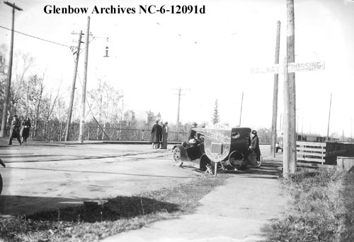 nc-6-12091d - Auto accident at West End, Edmonton, Alberta. - 1927