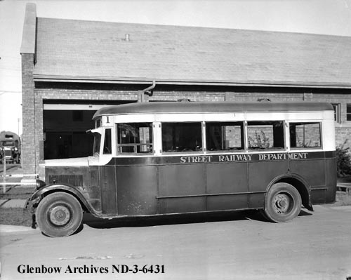 nd-3-6431 - Street-railway motor bus, Edmonton, Alberta. - City Garage - 1933