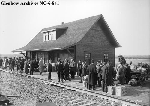 nc-6-841 - Edmonton, Dunvegan and British Columbia Railway depot, Edmonton, Alberta - 1914